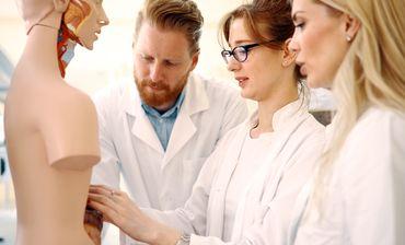 Asociatia Medicilor Crestini din România - Studenți